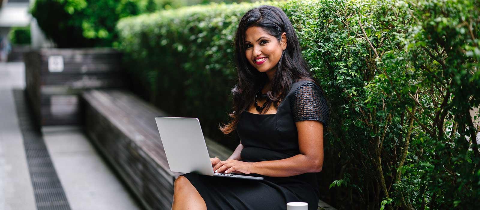 PPP-Spanish-WEV-Webinar-Latina-Woman-Smiling